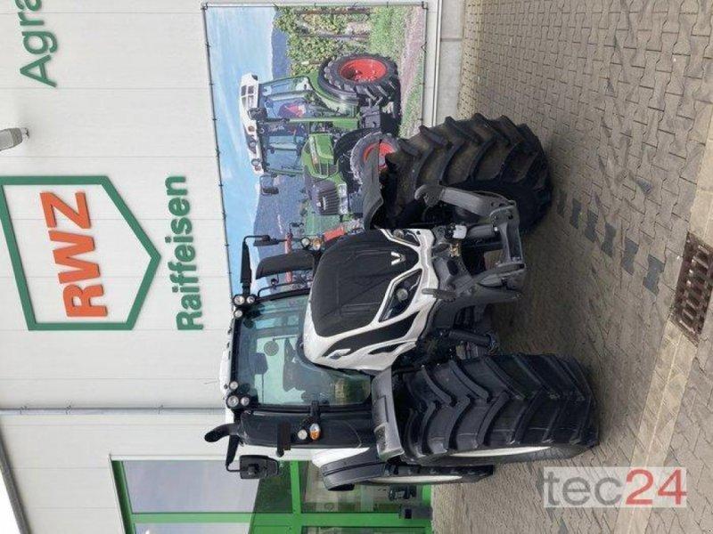 Traktor des Typs Valtra T 194V, Neumaschine in Gundersheim (Bild 1)