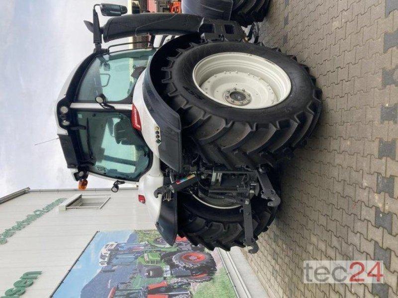Traktor des Typs Valtra T 194V, Neumaschine in Gundersheim (Bild 2)