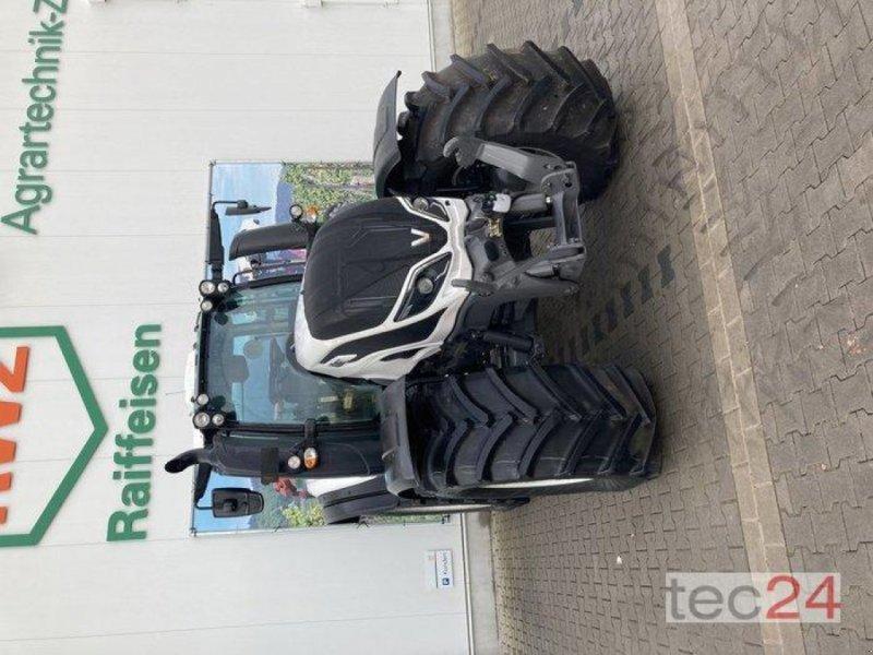Traktor des Typs Valtra T 194V, Neumaschine in Gundersheim (Bild 12)