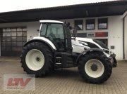 Valtra T 214 D 1B8 Traktor