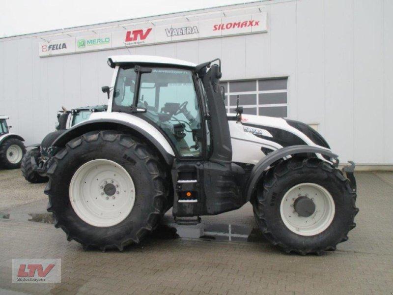 Traktor des Typs Valtra T 214 D 1B8, Neumaschine in Eggenfelden (Bild 1)