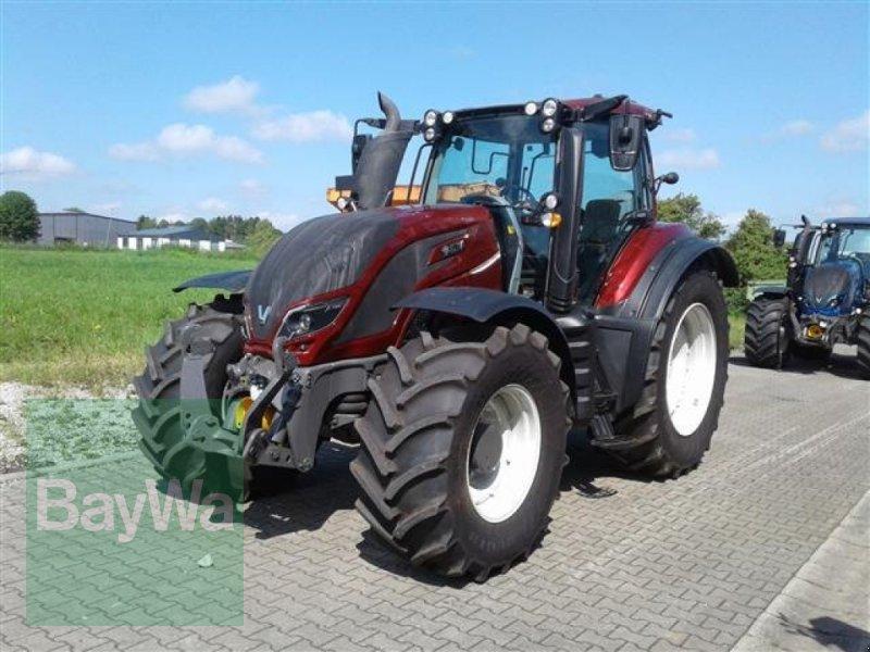 Traktor типа Valtra T 214 D Smarttouch, Gebrauchtmaschine в Erbach (Фотография 1)