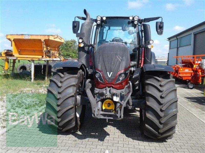 Traktor типа Valtra T 214 D Smarttouch, Gebrauchtmaschine в Erbach (Фотография 3)