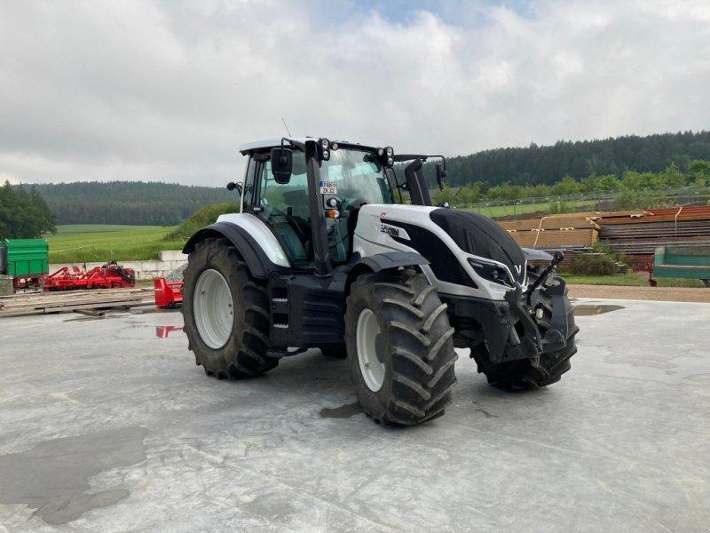 Traktor des Typs Valtra T 214 D, Neumaschine in Bodenwöhr/ Taxöldern (Bild 1)