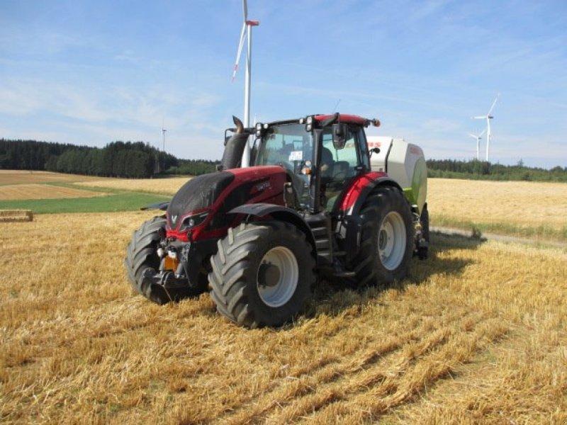 Traktor des Typs Valtra T 214 Direct, Gebrauchtmaschine in Konradsreuth (Bild 1)