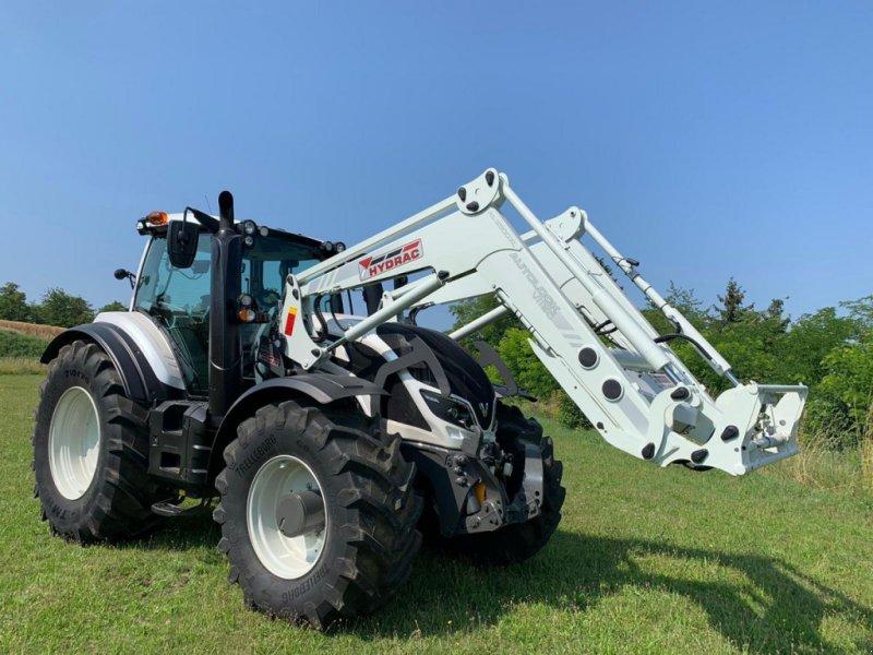 Traktor des Typs Valtra T 214 Direct, Gebrauchtmaschine in Krustetten (Bild 1)