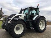 Traktor des Typs Valtra T 214 Smart-Touch Display und Werksgarantie 04/2021 in Alerheim
