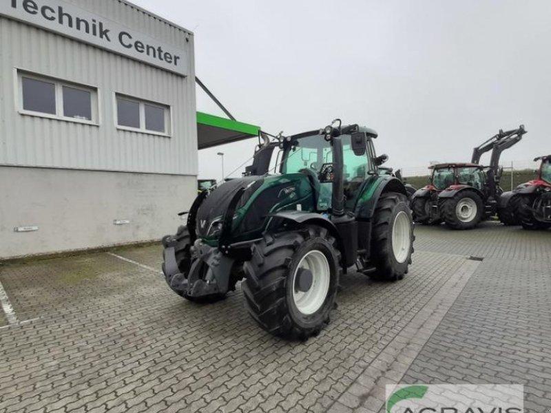 Traktor des Typs Valtra T 234 A ACTIVE, Gebrauchtmaschine in Calbe / Saale (Bild 1)
