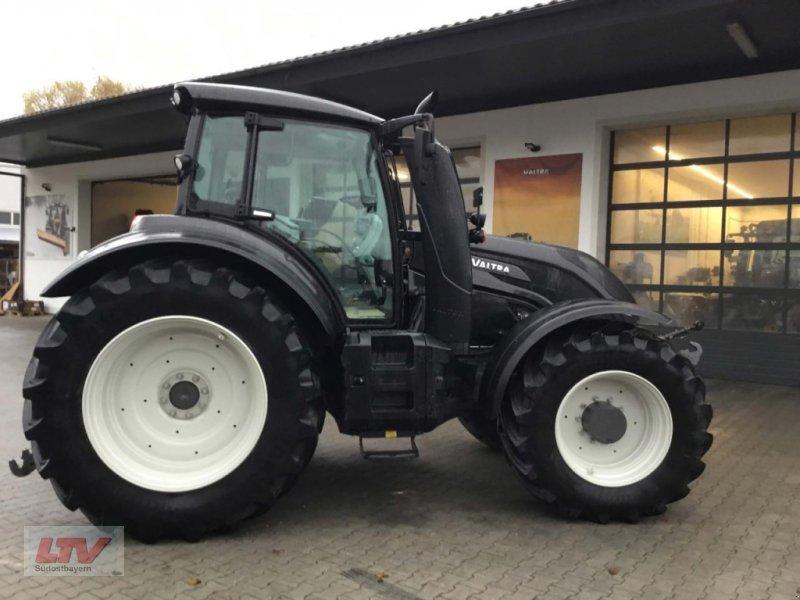Traktor des Typs Valtra T 234 D 1A7, Neumaschine in Eggenfelden (Bild 1)