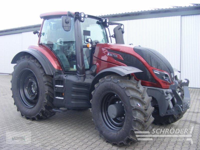 Traktor des Typs Valtra T 234 D SMARTTOUCH, Gebrauchtmaschine in Twistringen (Bild 1)