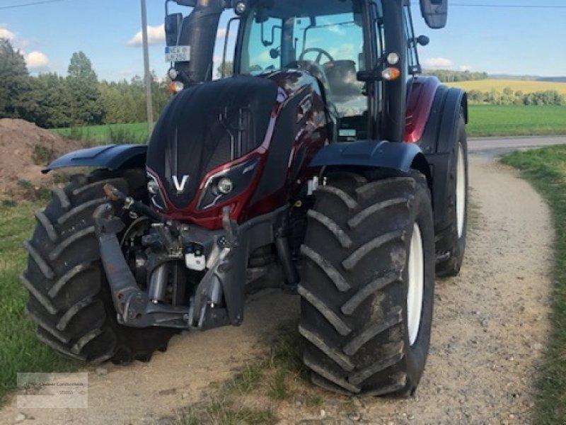 Traktor des Typs Valtra T 234 D, Gebrauchtmaschine in Weiden/Theisseil (Bild 1)