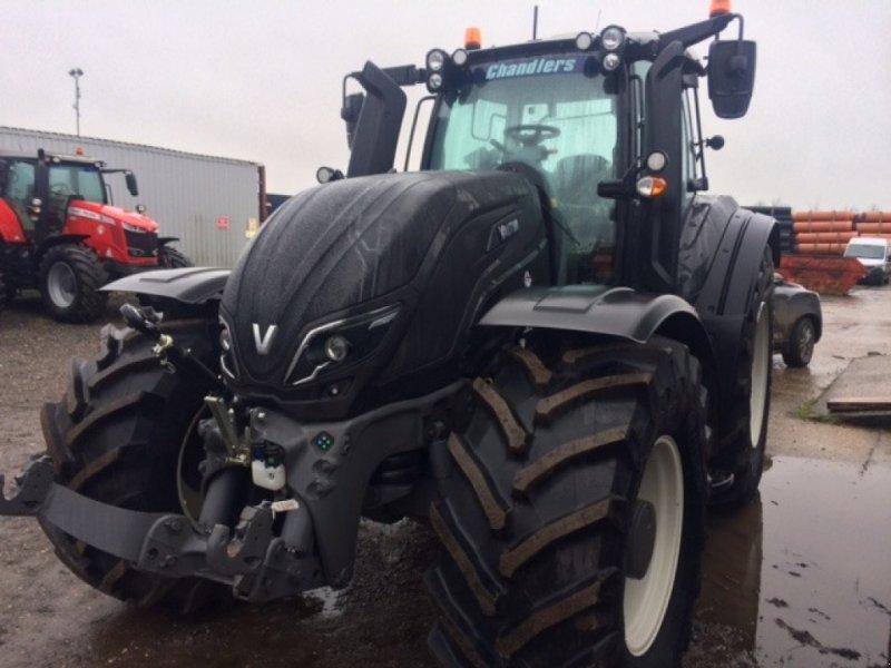 Traktor des Typs Valtra T 234 Direct, Neumaschine in Grantham (Bild 2)