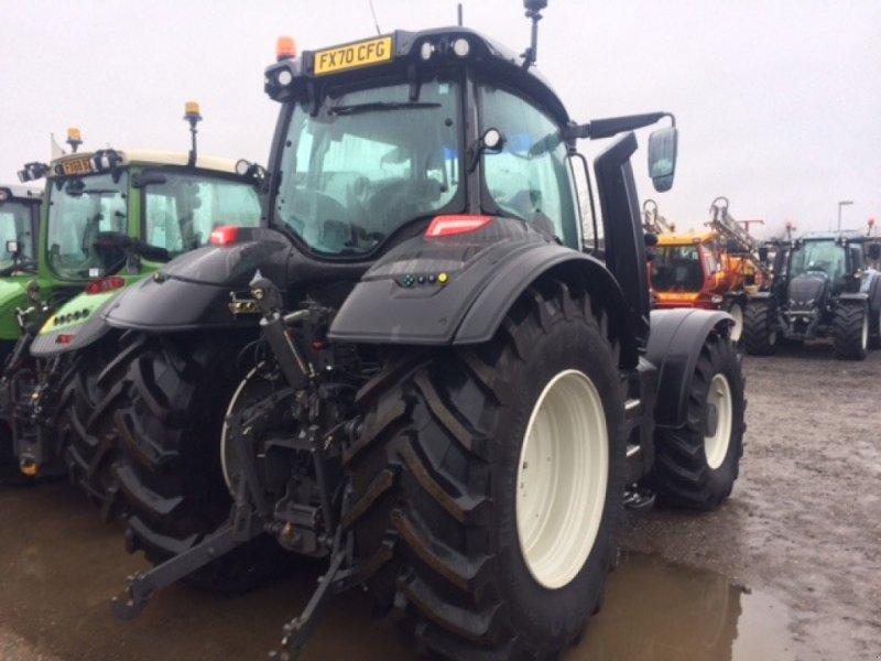 Traktor des Typs Valtra T 234 Direct, Neumaschine in Grantham (Bild 3)
