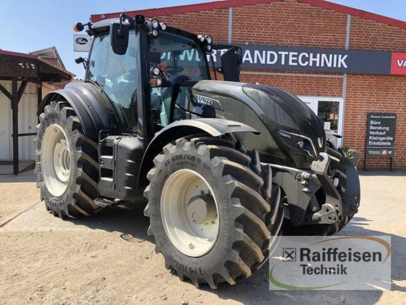 Traktor des Typs Valtra T 234 Direct, Neumaschine in Elmenhorst-Lanken (Bild 1)