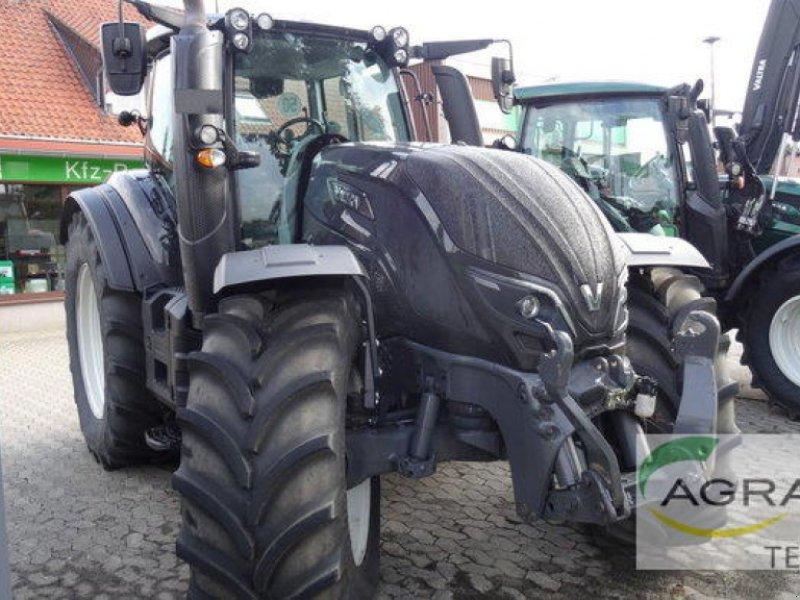 Traktor des Typs Valtra T 234 V VERSU, Gebrauchtmaschine in Uelzen (Bild 3)
