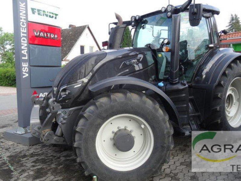Traktor des Typs Valtra T 234 V VERSU, Gebrauchtmaschine in Uelzen (Bild 1)