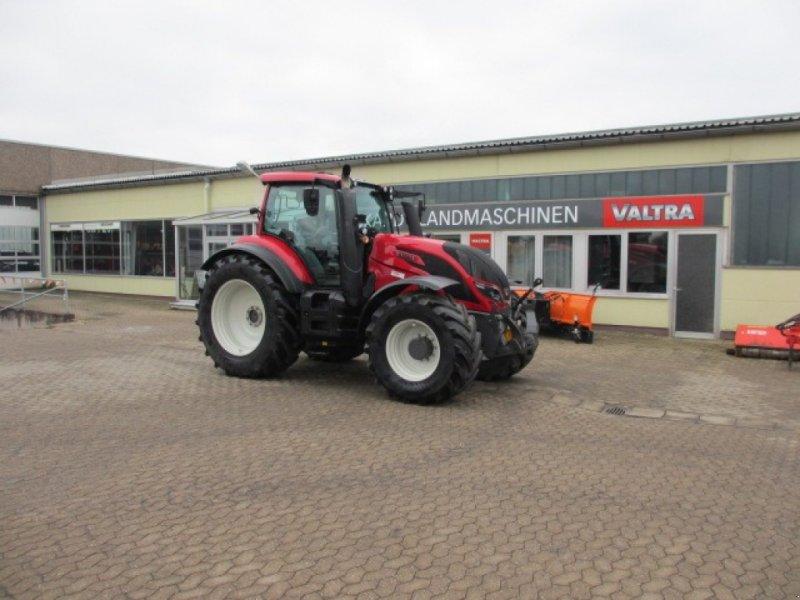 Traktor des Typs Valtra T 234 Versu, Gebrauchtmaschine in Konradsreuth (Bild 1)