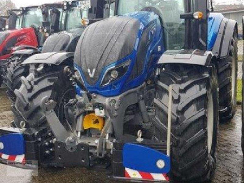 Traktor des Typs Valtra T 254 A MR19, Neumaschine in Rees (Bild 5)