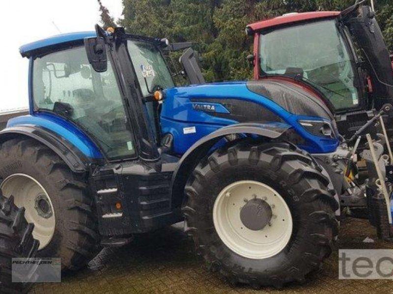 Traktor des Typs Valtra T 254 A MR19, Neumaschine in Rees (Bild 1)