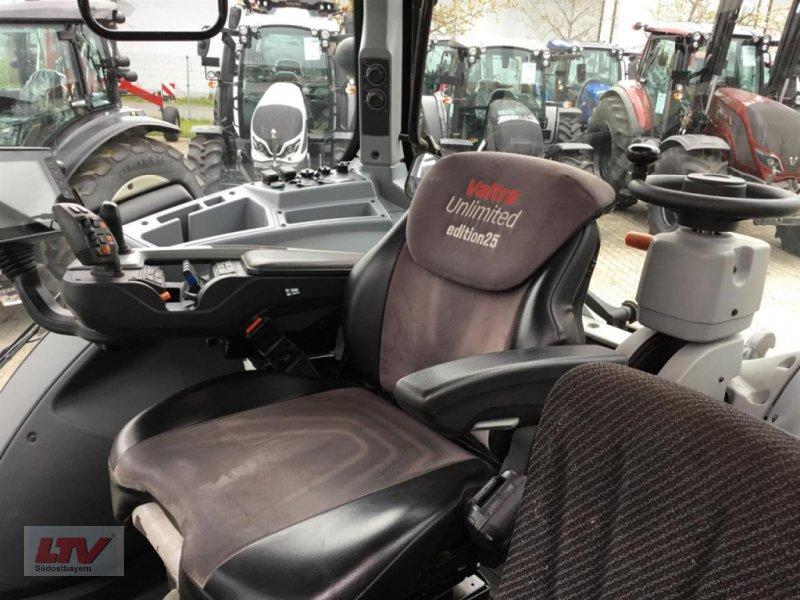 Traktor des Typs Valtra T 254 V Rüfa, Neumaschine in Eggenfelden (Bild 10)
