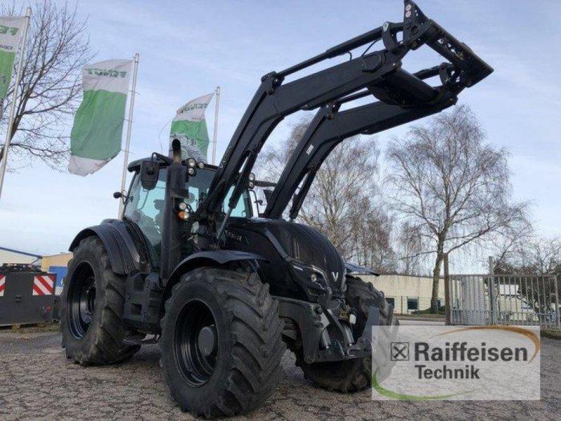 Traktor des Typs Valtra T 254 Versu Smart-Touch, Gebrauchtmaschine in Elmenhorst-Lanken (Bild 1)