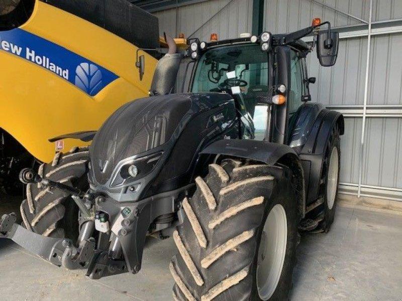 Traktor des Typs Valtra T 254, Gebrauchtmaschine in CASTETIS (Bild 1)