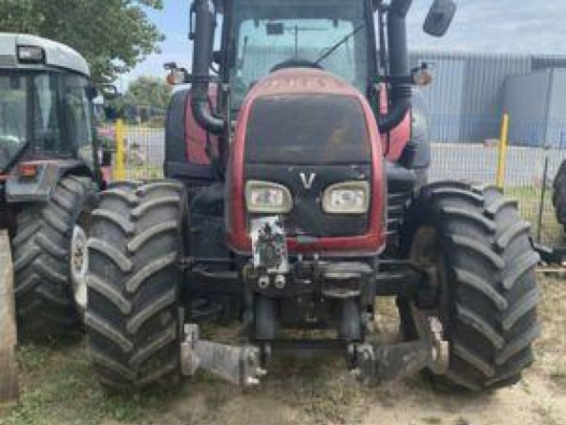 Traktor типа Valtra T132 DIRECT, Gebrauchtmaschine в Carcassonne (Фотография 1)