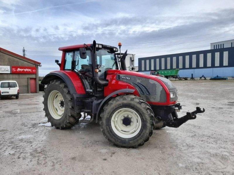 Traktor des Typs Valtra t152 d, Gebrauchtmaschine in SAULZET (Bild 1)