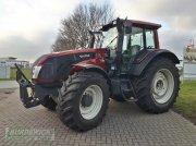 Valtra T153 HiTech Traktor
