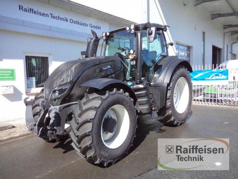 Traktor des Typs Valtra T154A MR 18, Gebrauchtmaschine in Eckernförde (Bild 1)