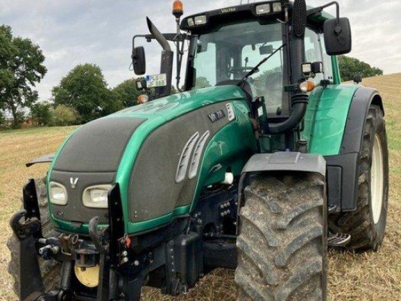 Traktor des Typs Valtra T162 Versu, Gebrauchtmaschine in Eutin (Bild 1)