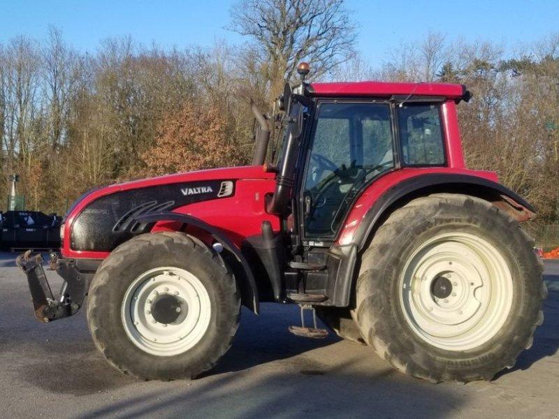 Traktor typu Valtra T162e VERSU, Gebrauchtmaschine w CHAILLOUÉ (Zdjęcie 1)
