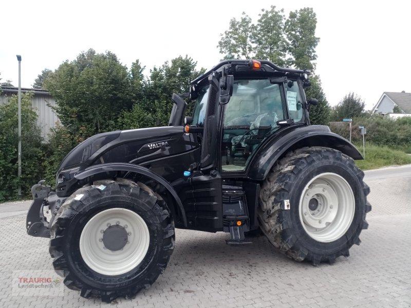 Traktor des Typs Valtra T174A Forst, Neumaschine in Mainburg/Wambach (Bild 1)