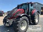 Traktor des Typs Valtra T174EA MR19 in Preetz