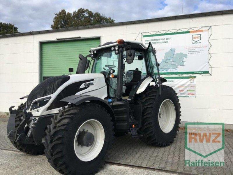 Traktor des Typs Valtra T174eD, Neumaschine in Friedberg (Bild 1)