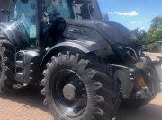 Traktor of the type Valtra T174EV, Gebrauchtmaschine in Oxfordshire