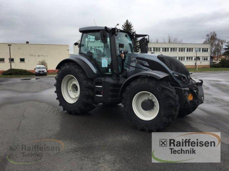 Traktor des Typs Valtra T194A Mr19, Neumaschine in Weinbergen - Bollste (Bild 2)