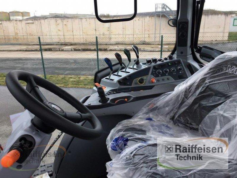 Traktor des Typs Valtra T194A Mr19, Neumaschine in Weinbergen - Bollste (Bild 5)