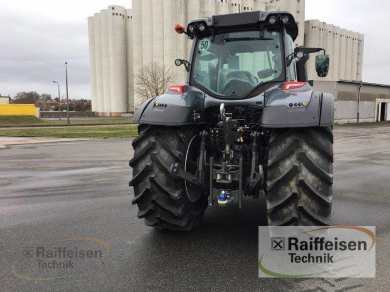Traktor des Typs Valtra T194A Mr19, Neumaschine in Weinbergen - Bollste (Bild 4)