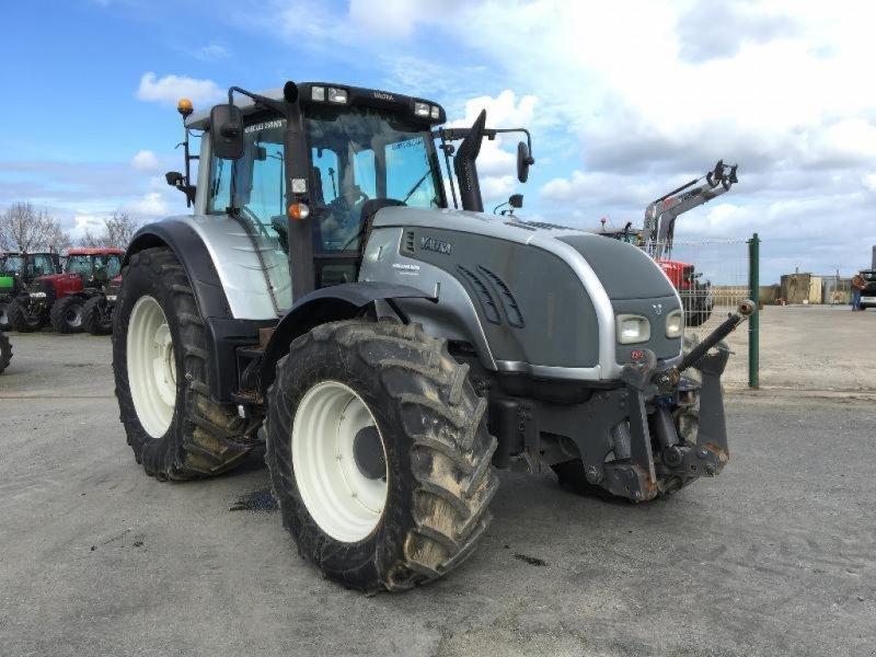 Traktor des Typs Valtra T203, Gebrauchtmaschine in Saint suplice le ver (Bild 2)