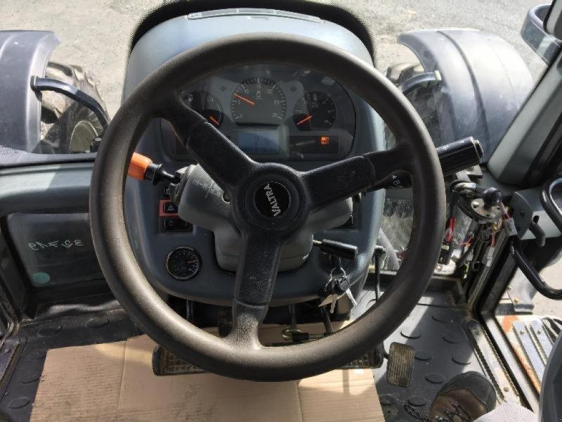 Traktor des Typs Valtra T203, Gebrauchtmaschine in Saint suplice le ver (Bild 10)
