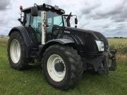 Traktor typu Valtra T213 Versu Black Edition m. Frontlift, Gebrauchtmaschine w Ringkøbing
