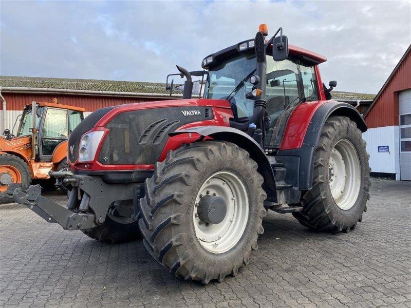 Traktor типа Valtra T213 Versu KUN 3500 TIMER! DK FRA NY!, Gebrauchtmaschine в Aalestrup (Фотография 1)