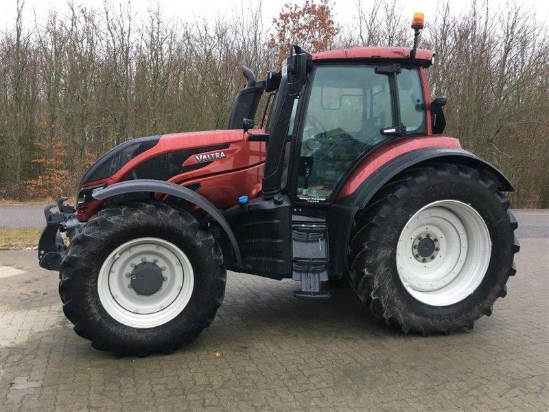 Traktor des Typs Valtra T214 Direct, Gebrauchtmaschine in Nimtofte (Bild 1)