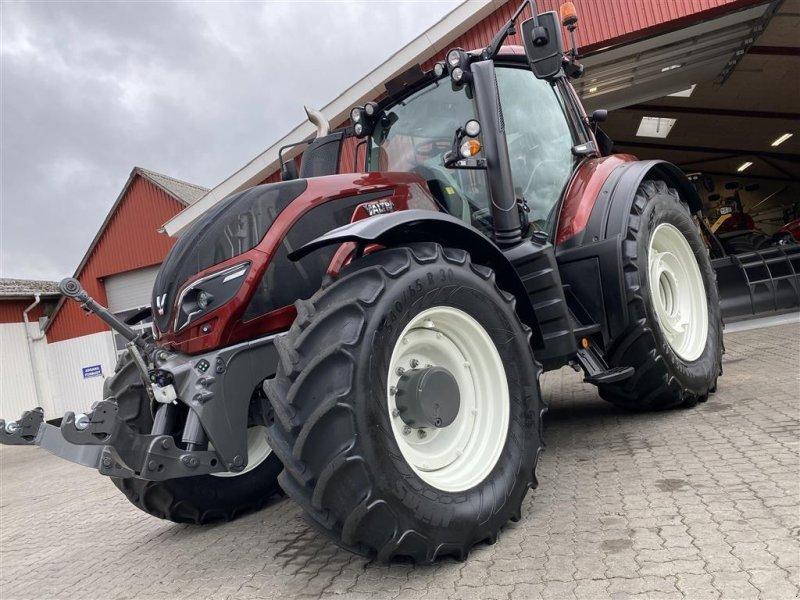 Traktor des Typs Valtra T214 Versu MED SMART TOUCH OG RTK AUTOSTYRING!, Gebrauchtmaschine in Aalestrup (Bild 1)