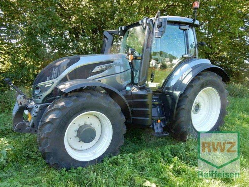 Traktor типа Valtra T214 Versu SmartTouch, Gebrauchtmaschine в Prüm (Фотография 10)