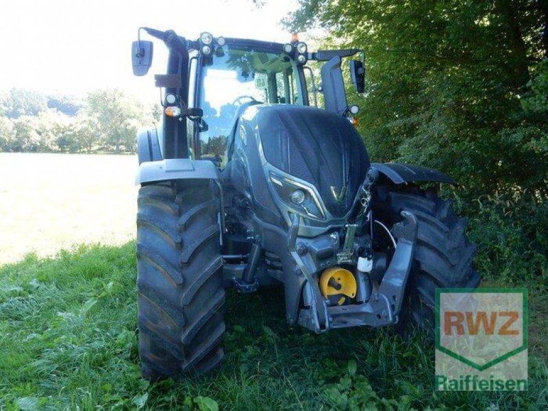 Traktor типа Valtra T214 Versu SmartTouch, Gebrauchtmaschine в Prüm (Фотография 6)