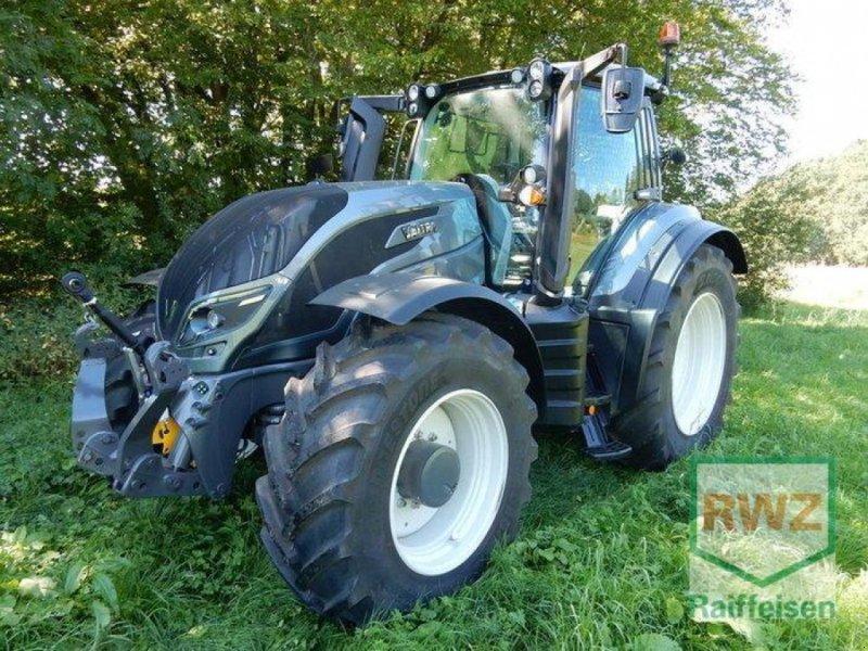 Traktor des Typs Valtra T214 Versu SmartTouch, Gebrauchtmaschine in Prüm (Bild 1)