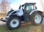 Valtra T214 Traktor