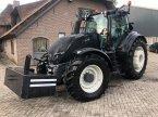 Traktor типа Valtra T214 в Lunteren